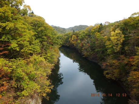 百松橋からの豊平川渓谷美